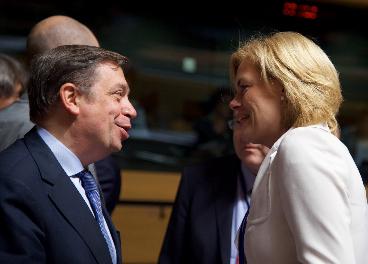 Europa se compromete a intensificar la defensa de la aceituna negra