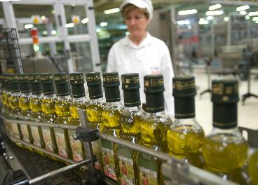 Deoleo, líder marquista de aceite de oliva, un año más en pérdidas