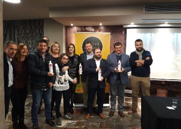 Presentación de la edición especial de Oro de Cánava para apoyar al síndrome de Rett.