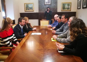 Reunión entre las organizaciones agrarias y representantes del Ayuntamiento de Jaén.