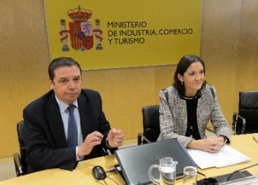 Luis Planas y Reyes Maroto.