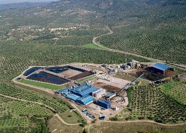 Vista panormámica de extractora de orujo