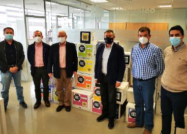 Grupo Interóleo entrega aceite Banco de Alimentos.