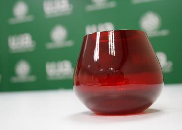 Esta copa roja ha sido desarrollada por Elaia Zait junto al a UJA.