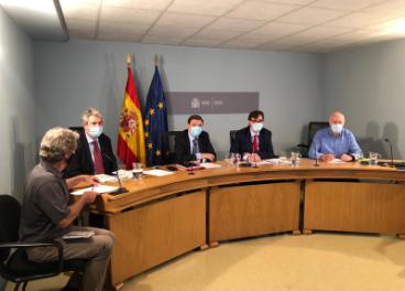 Presentación de la Guía por parte de representantes de los ministerios de Agricultura, Sanidad y Trabajo.